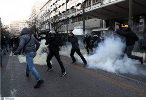 Αθήνα: Επεισόδια με χημικά στην πορεία για τον Κουφοντίνα