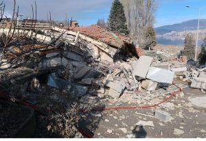 Καστοριά: «Ένα με τη γη έγινε το ξενοδοχείο «Τσάμης» μετά την έκρηξη»