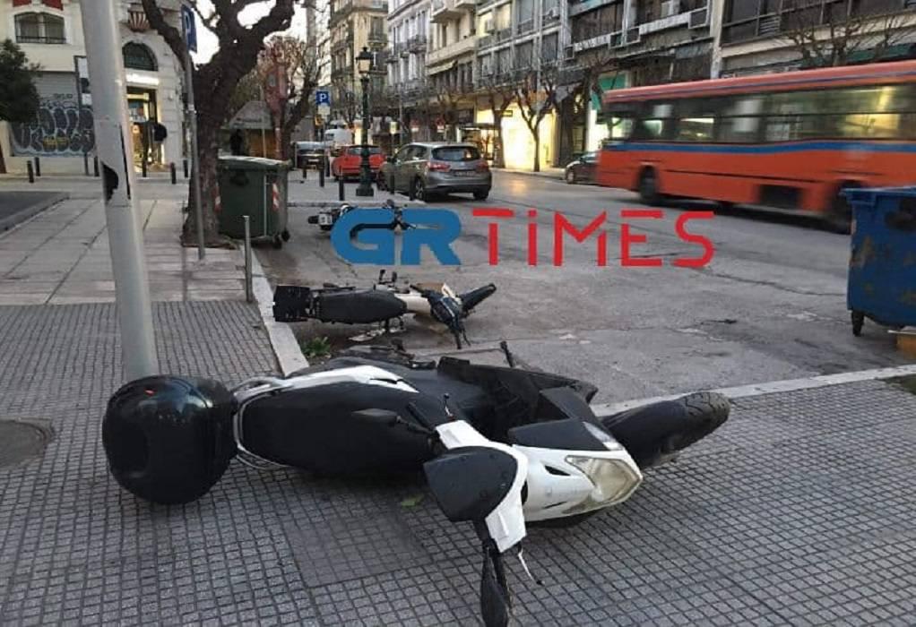 Θεσσαλονίκη: Στο… έλεος των μποφόρ τα δίκυκλα! (ΦΩΤΟ)