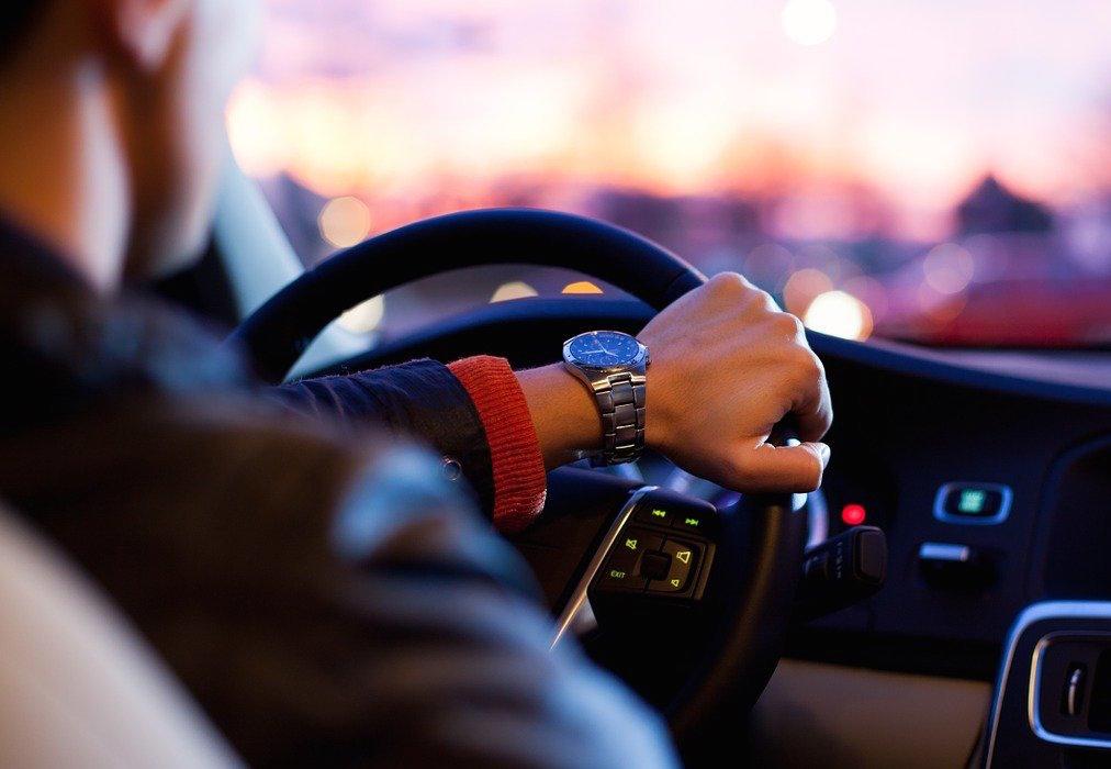 Στο…περίμενε περίπου 50.000 υποψήφιοι για δίπλωμα οδήγησης