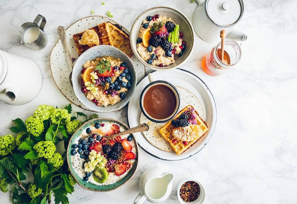 Διατροφή: Ποιες τροφές να επιλέξετε για ένα υγιεινό πρωινό