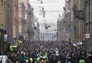 Το ποσοστό των Ρώσων που περιμένουν νέες διαδηλώσεις είναι το υψηλότερο από το 1998