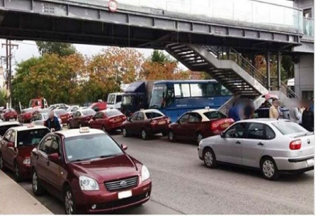 Ταξιτζής με κορωνοϊό από τη Χαλκίδα συνέχισε να μεταφέρει πολίτες