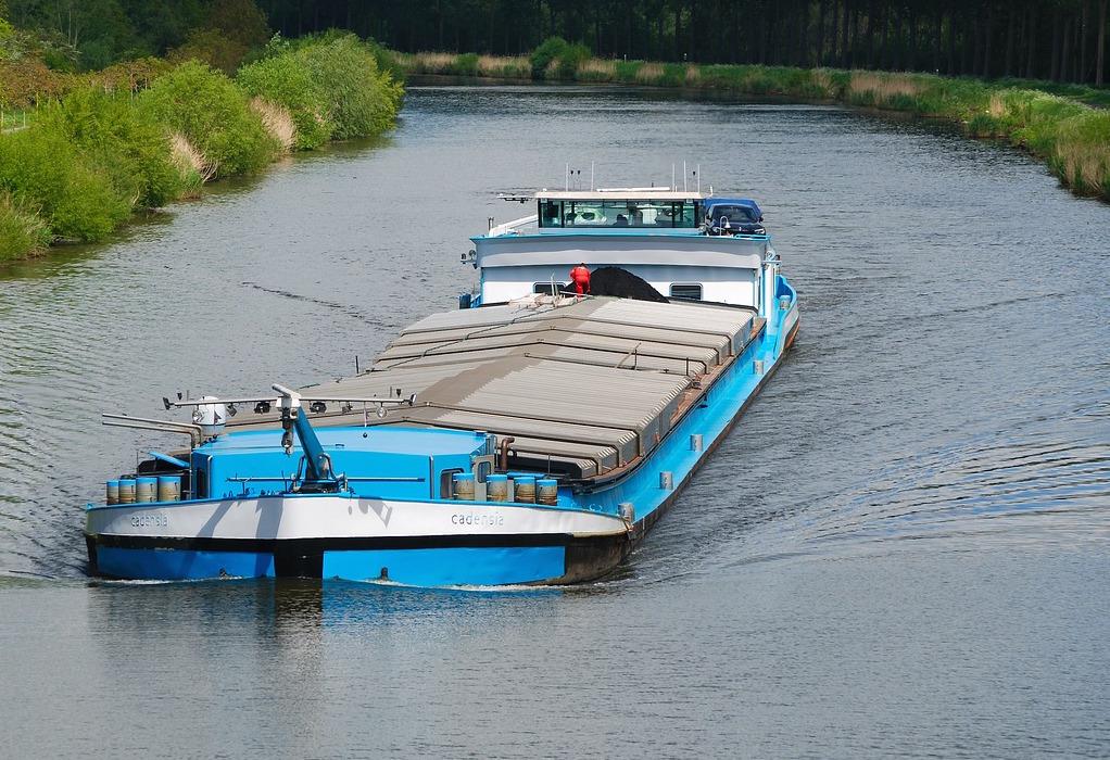 Κονγκό: 60 νεκροί από ναυάγιο φορτηγίδας σε ποταμό