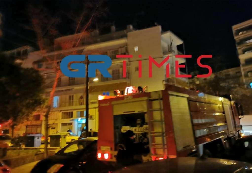 Θεσσαλονίκη: Άμεση επέμβαση της Πυροσβεστικής για φωτιά σε διαμέρισμα στις Συκιές