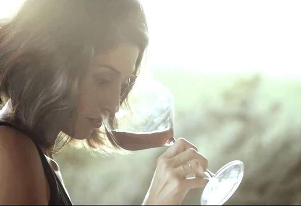 Τα natural wines της Χλόης Χατζηβαρύτη, που κέρδισαν το Μπορντώ
