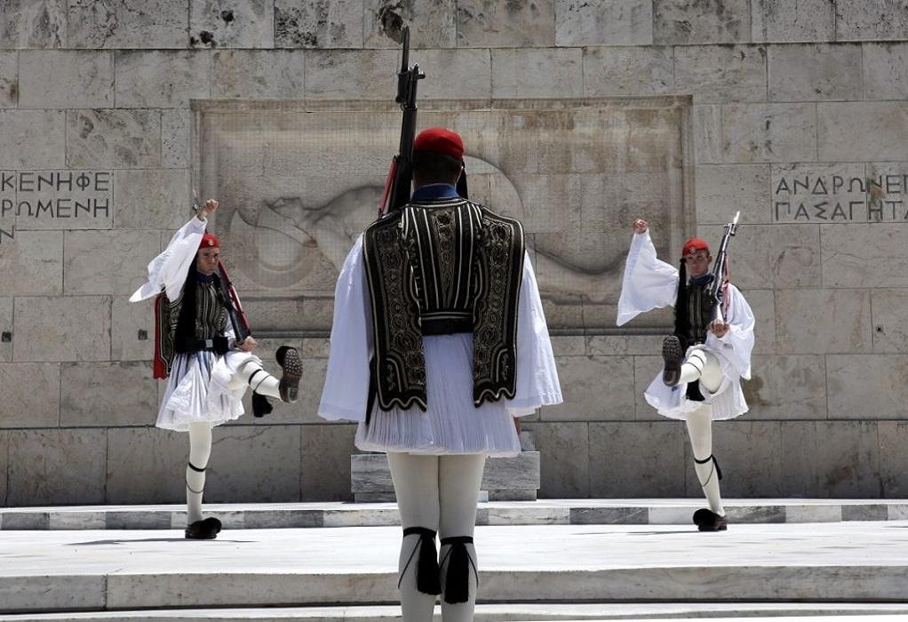 Δείτε LIVE την κατάθεση στεφάνων στο μνημείο του Αγνώστου Στρατιώτη