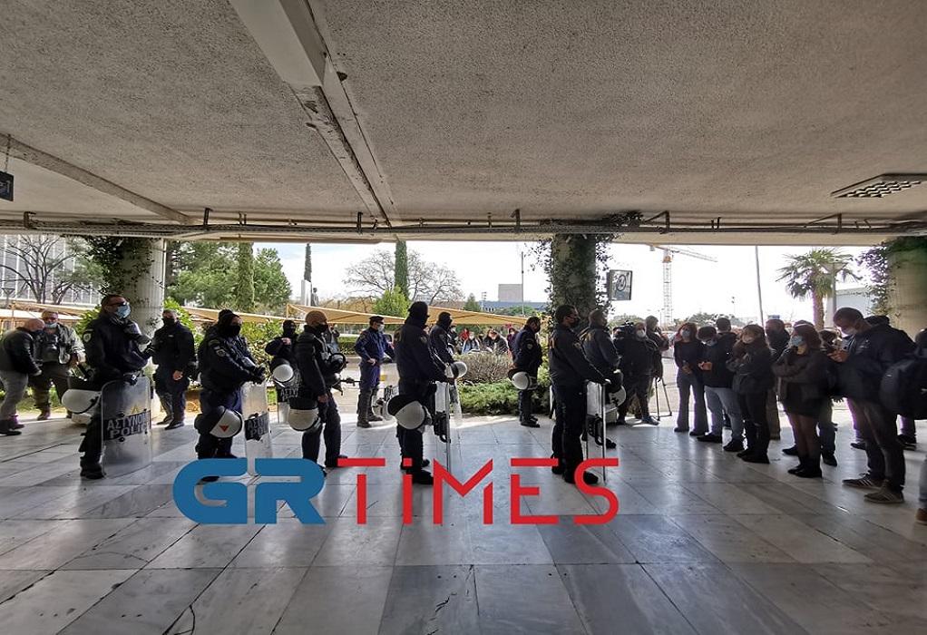 Αστυνομία εντός του ΑΠΘ – Φοιτητές ζήτησαν να φύγουν – Τι είπαν (ΦΩΤΟ+VIDEO)