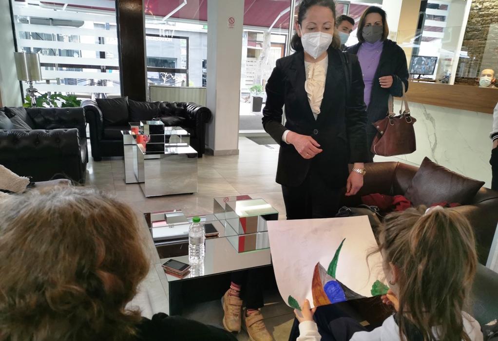 Τρίκαλα: 300 σεισμοπαθείς από το Δαμάσι φιλοξενούνται σε ξενοδοχεία της πόλης