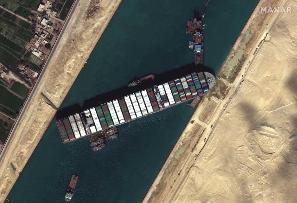 Διώρυγα Σουέζ: Τι μεταφέρουν τα πλοία που περιμένουν να περάσουν