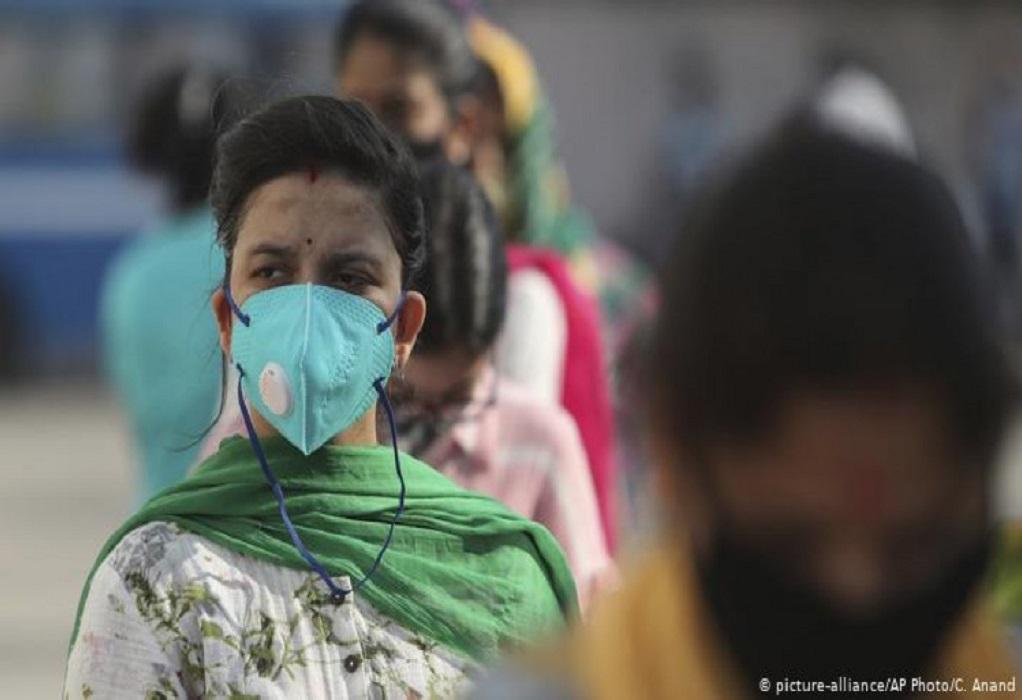 Ινδία: Η κρίση της Covid-19 αυξάνει το κόστος διαβίωσης και θανάτου
