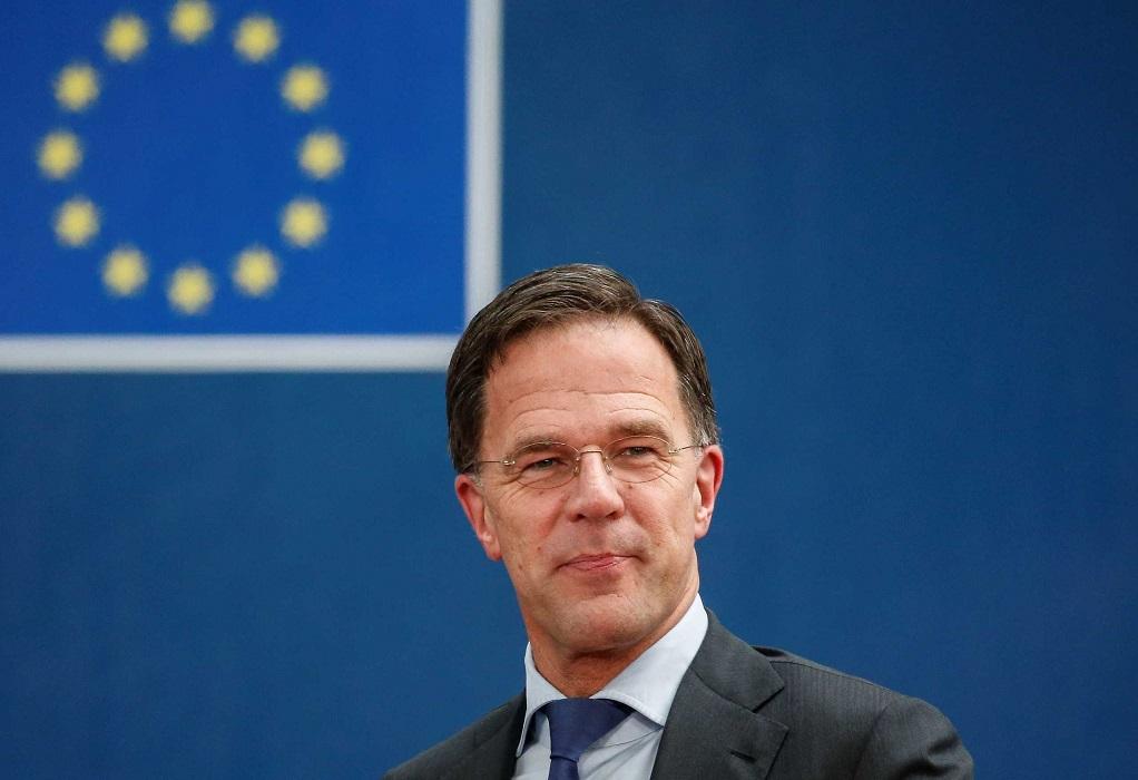 Ολλανδία: Ο Ρούτε ξεπέρασε την πρόταση δυσπιστίας