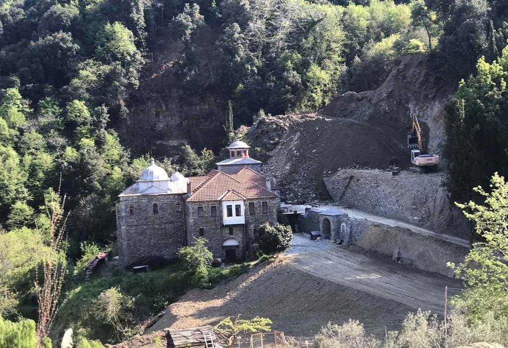 Covid free το Άγιον Όρος: Ξεκίνησε να δέχεται και πάλι επισκέπτες