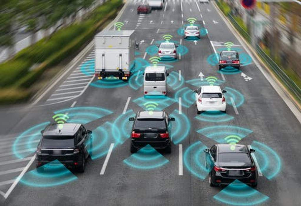 Aυτόνομα οχήματα και 5G απαλλάσσουν τις πόλεις από τα ΙΧ