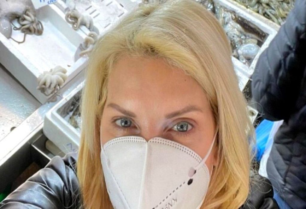 Ελένη Μενεγάκη: Πήγε από τα Μελίσσια στη Βαρβάκειο για ψώνια