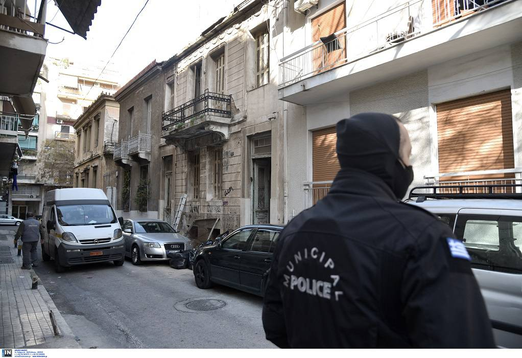 Αθήνα: Επιχείρηση εκκένωσης κτιρίου στον Άγιο Παντελεήμονα