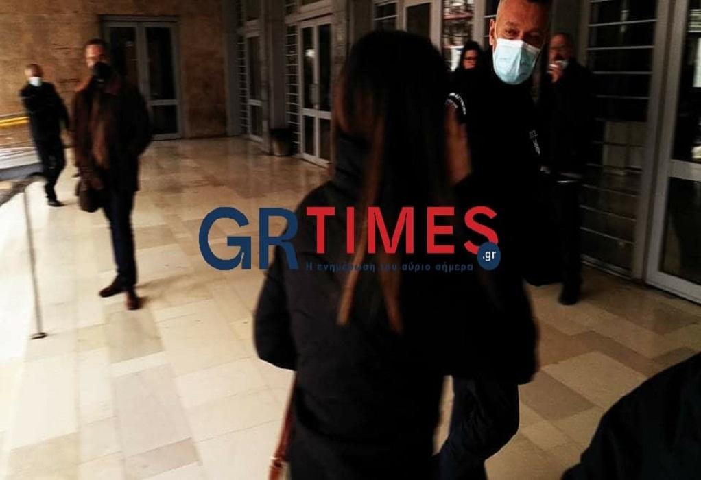 Φυλάκιση με αναστολή στην Ισπανίδα για το κορωνοπάρτι (VIDEO)