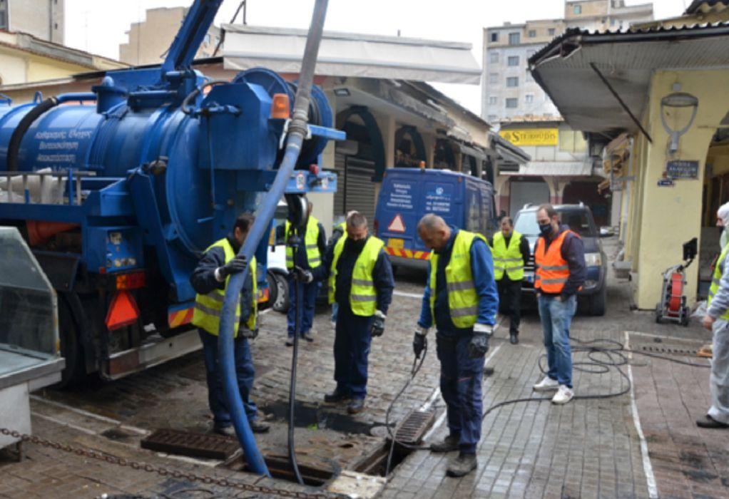 Δήμος Θεσσαλονίκης: Εκτεταμένες εργασίες καθαρισμού φρεατίων στην αγορά Βλάλη