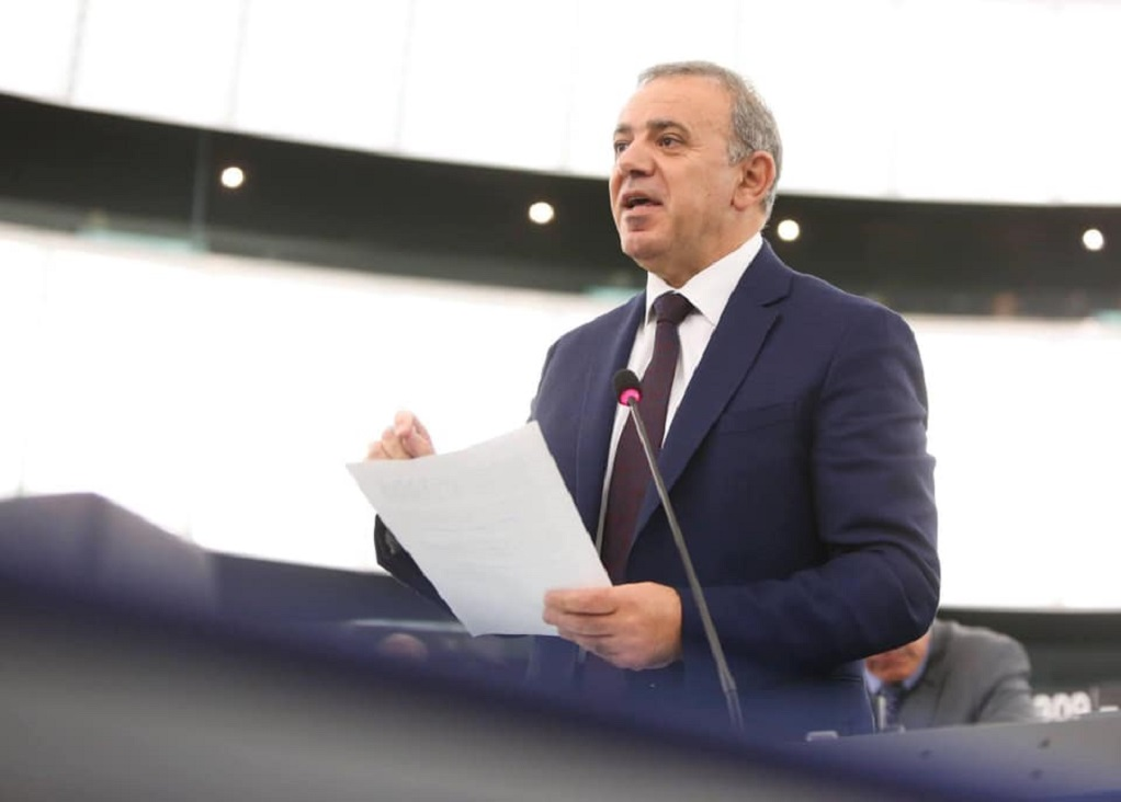 Πρωτοβουλία του ευρωβουλευτή Κ. Μαυρίδη για απαγόρευση των «Γκρίζων Λύκων»