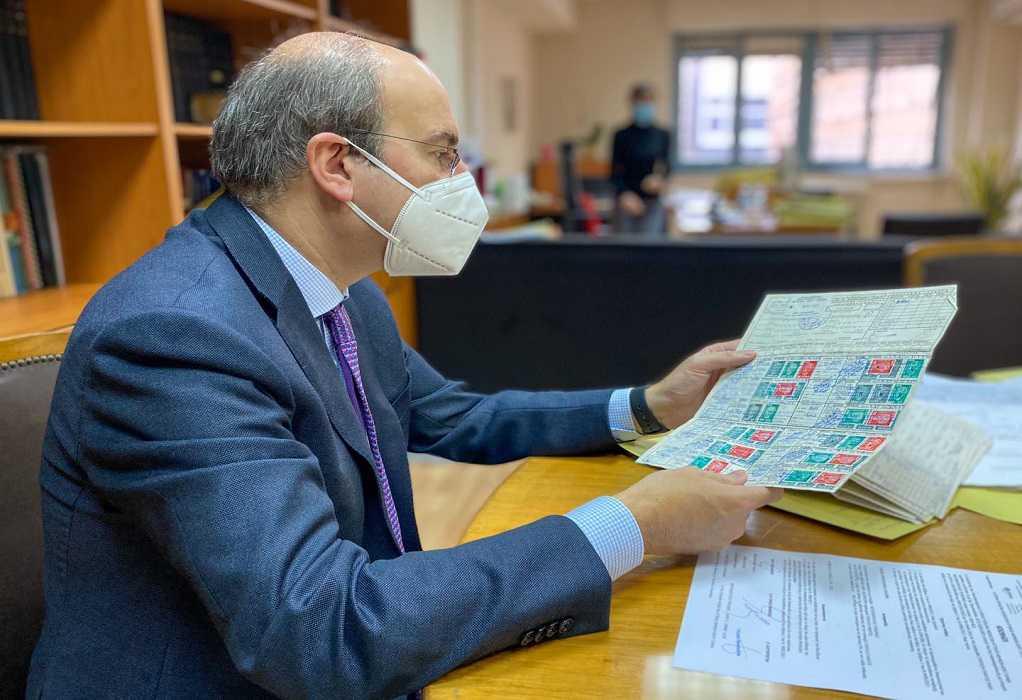 Αιφνιδιαστική επίσκεψη Χατζηδάκη στον ΕΦΚΑ Κορίνθου – Ζήτησε πειθαρχικό έλεγχο για χαλασμένα air condition