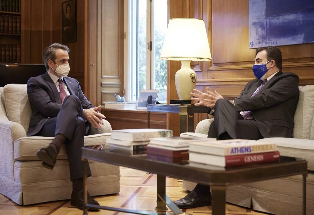 Συνάντηση πρωθυπουργού με αντιπρόεδρο Ευρωπαϊκής Επιτροπής