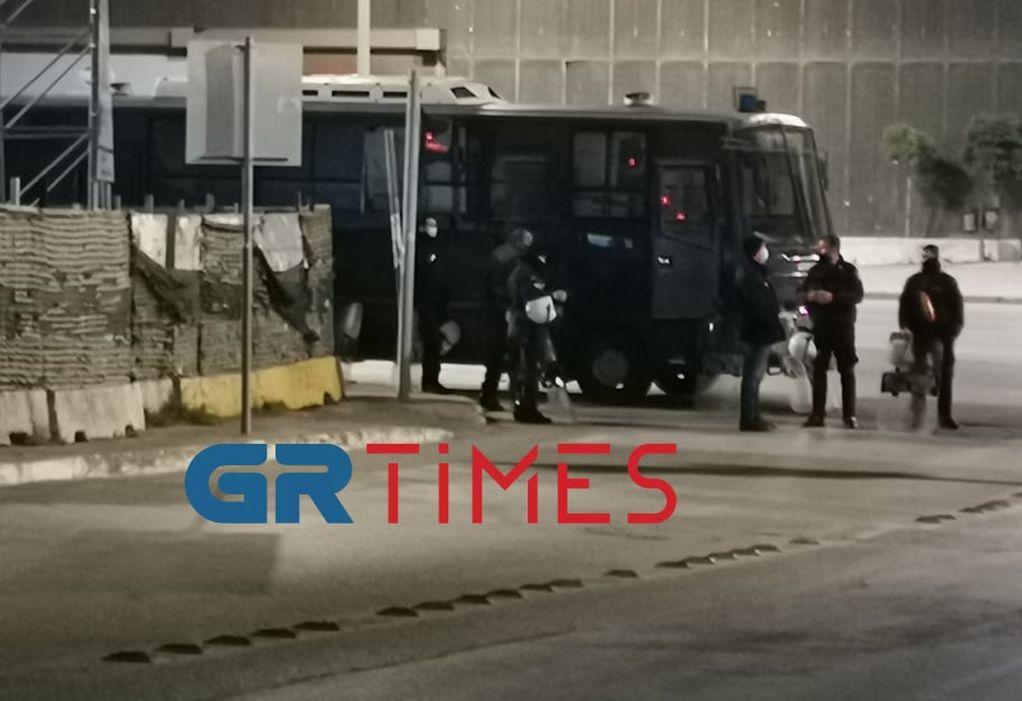 ΤΩΡΑ: Σε αστυνομικό κλοιό το Αριστοτέλειο Πανεπιστήμιο Θεσσαλονίκης