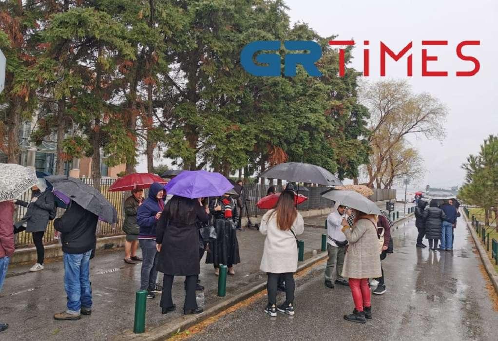 """Συγκέντρωση κατά του """"lockdown"""" στη Θεσσαλονίκη (ΦΩΤΟ)"""