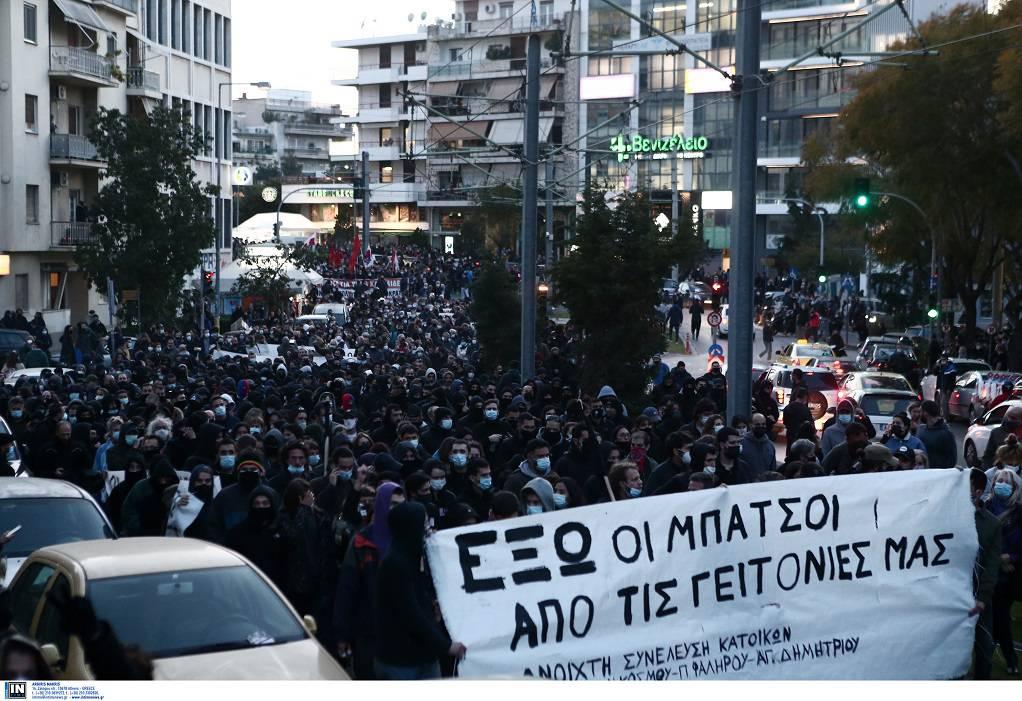 Δεύτερη μέρα συγκεντρώσεων σε γειτονιές κατά της αστυνομικής βίας