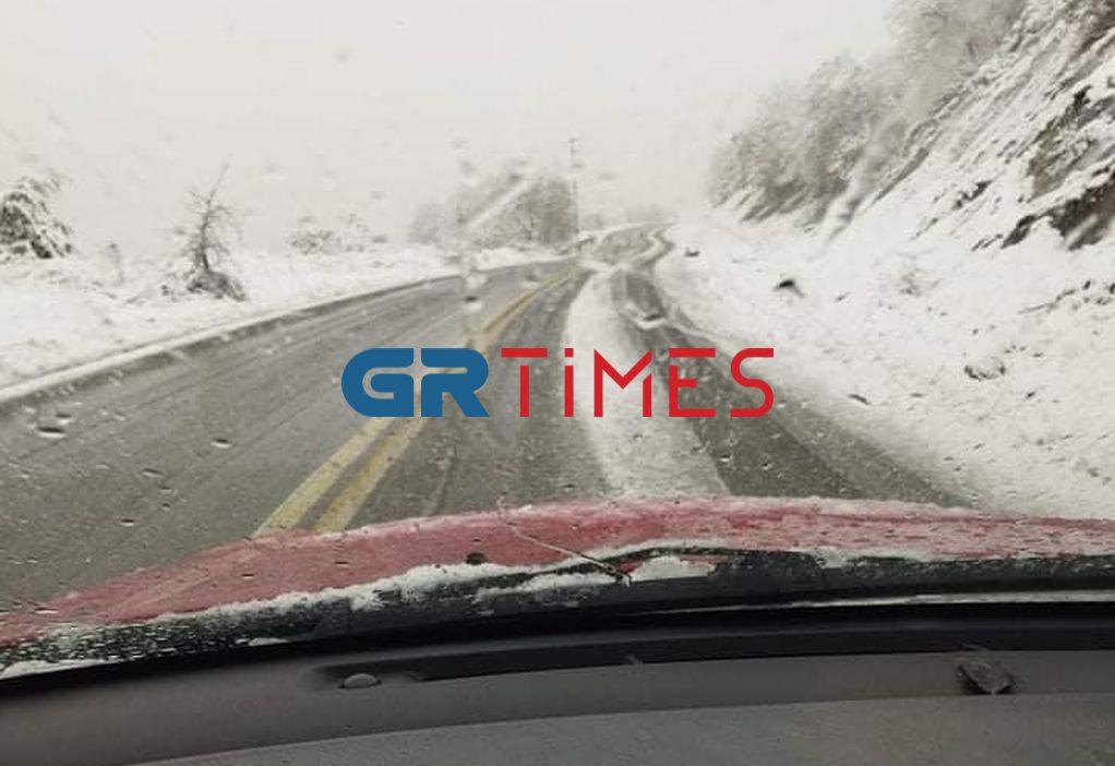 Γρεβενά: Διαδρομές των ταξί σε χιονισμένο τοπίο (ΦΩΤΟ)