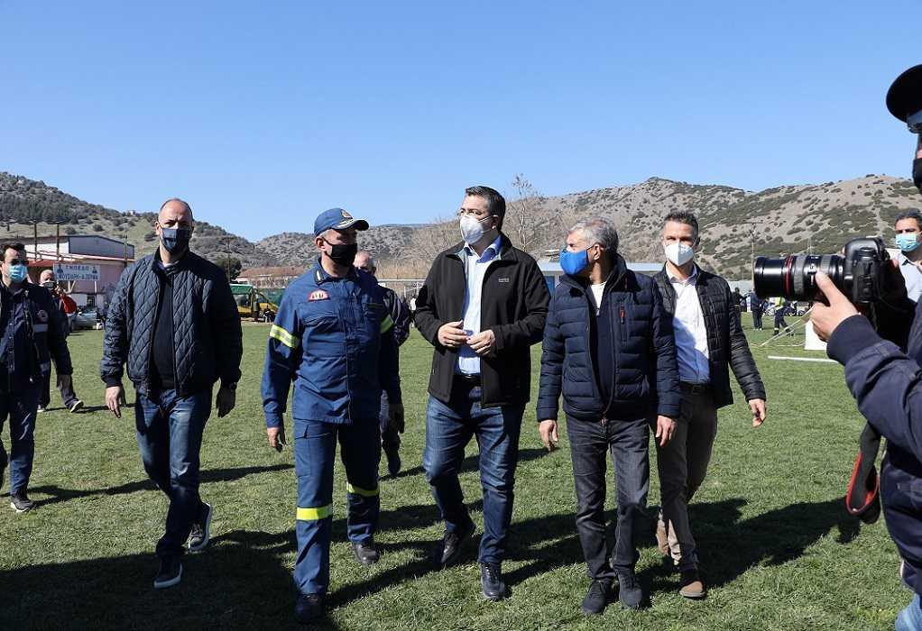 Στις σεισμόπληκτες περιοχές της Θεσσαλίας ο Απ. Τζιτζικώστας (ΦΩΤΟ)