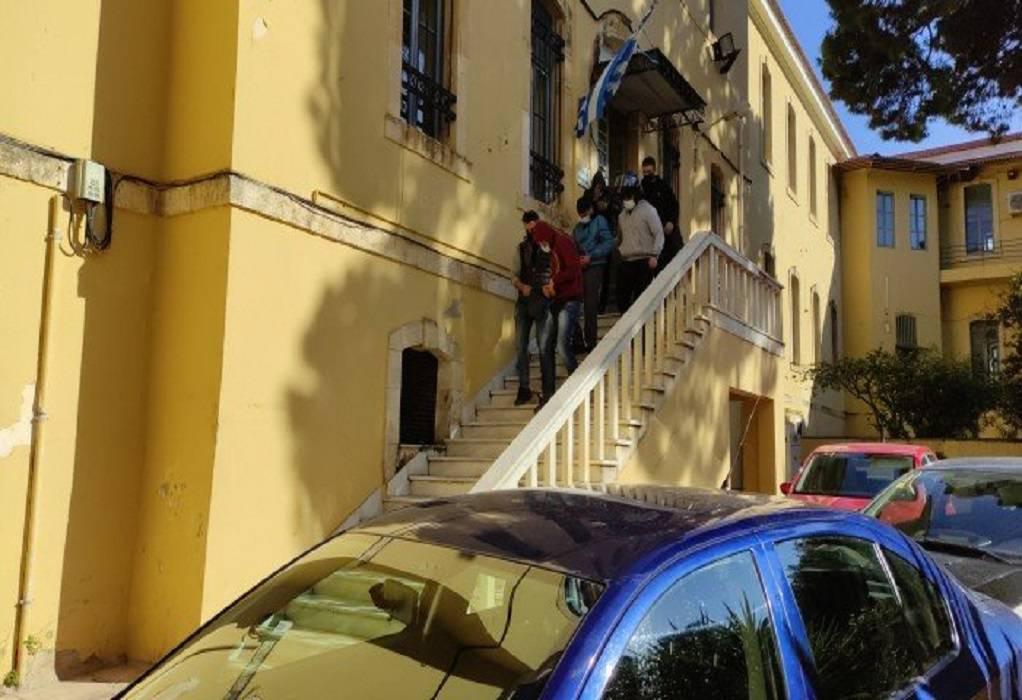 Χανιά: Αύριο η απολογία συλληφθέντων για τον τραυματισμό 19χρονου