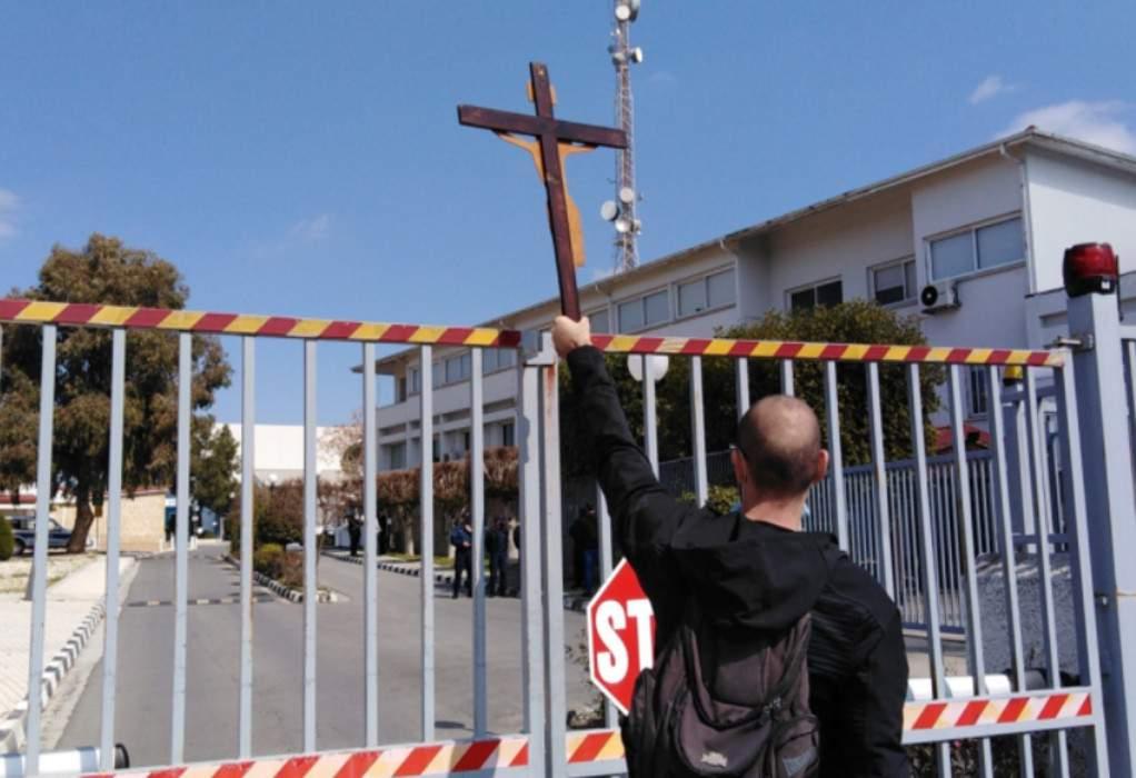 Kύπρος: Σταυροφορία κατά του τραγουδιού «El Diablo»