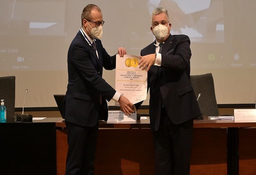 Το ΑΠΘ τίμησε τον περιφερειακό διευθυντή του ΠΟΥ Χ. Κλούγκε
