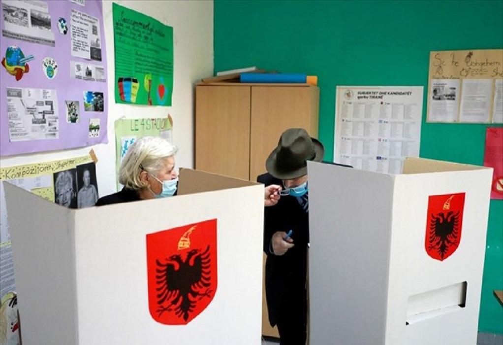 Αλβανία: Άνοιξαν οι κάλπες για τις βουλευτικές εκλογές