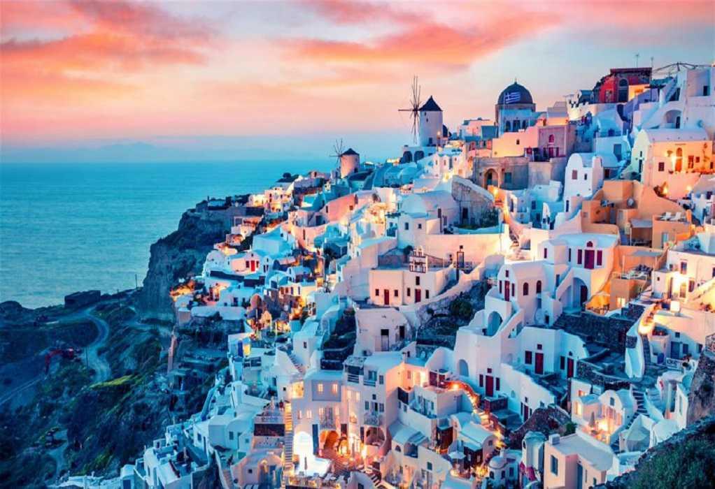 Άνοιξε ο τουρισμός στην Ελλάδα: Οι στόχοι & τα πρωτόκολλα