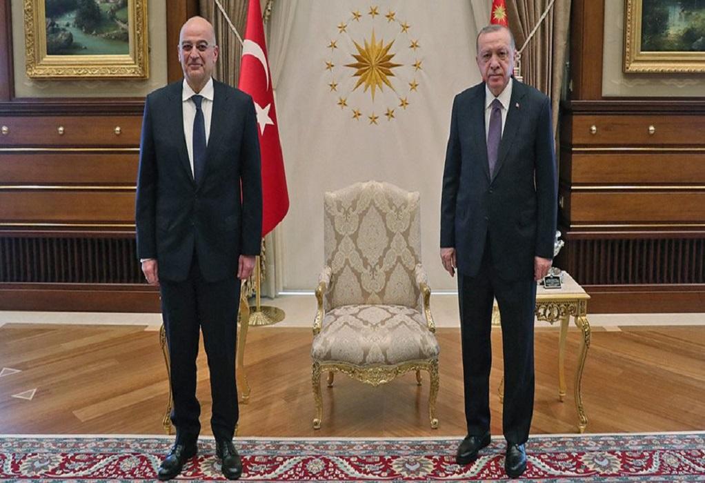 Τελείωσε η συνάντηση Δένδια – Ερντογάν (VIDEO)