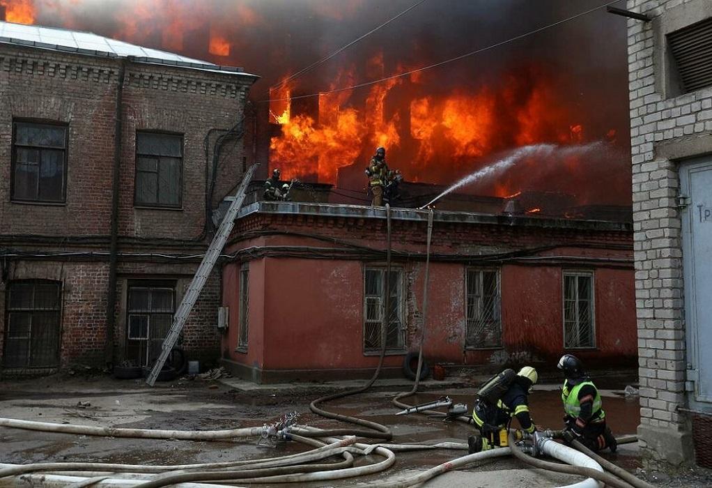 Ρωσία: Σοβαρή η κατάσταση των δύο πυροσβεστών που τραυματίσθηκαν στην πυρκαγιά