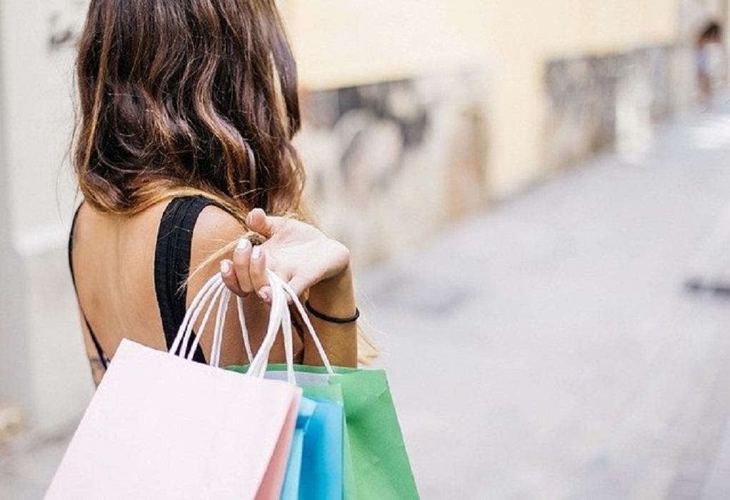 Επαναλειτουργούν από αύριο με click in shop τα καταστήματα σε Θεσσαλονίκη και Κοζάνη