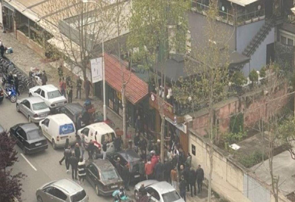 Επίθεση με μαχαίρι σε τέμενος στα Τίρανα – Πέντε τραυματίες