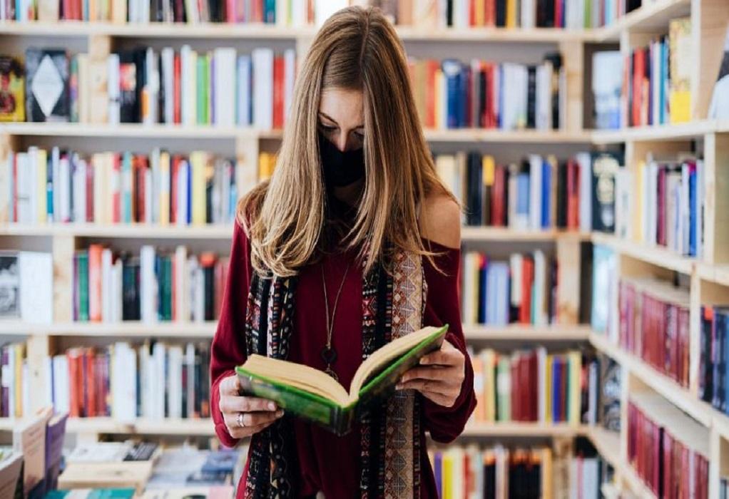ΥΠΠΟΑ: Από 1η Ιουνίου κουπόνια σε νέους ανέργους για δωρεάν βιβλία