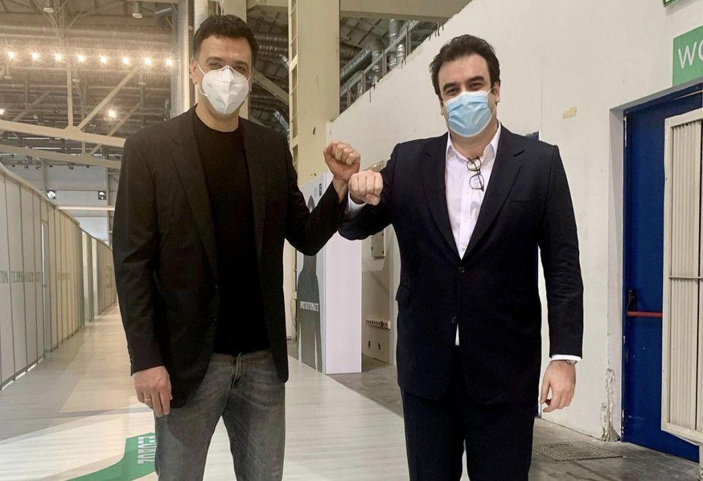 Επίσκεψη Κικίλια-Πιερρακάκη στο Mega εμβολιαστικό κέντρο του Ελληνικού