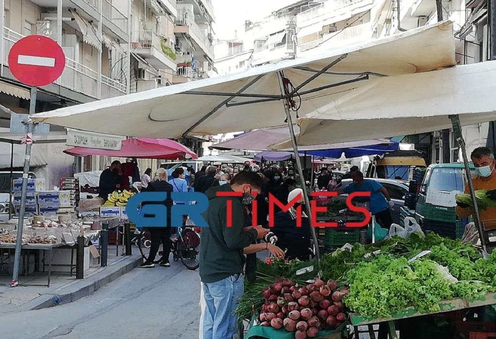 Ομο/δία Λαϊκών Αγορών: Η κυβέρνηση θέλει μόνο να μας «σταυρώσει»