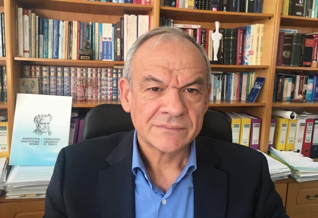 Ευ. Μανωλόπουλος: Όποιος αρνείται το εμβόλιο, αρνείται την πραγματικότητα (ΗΧΗΤΙΚΟ)
