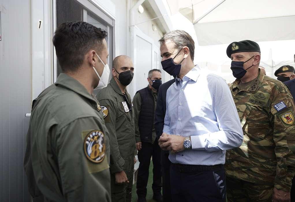 Τις πολυσχιδείς δυνατότητες των Ενόπλων Δυνάμεων διαπίστωσε ο Κ. Μητσοτάκης
