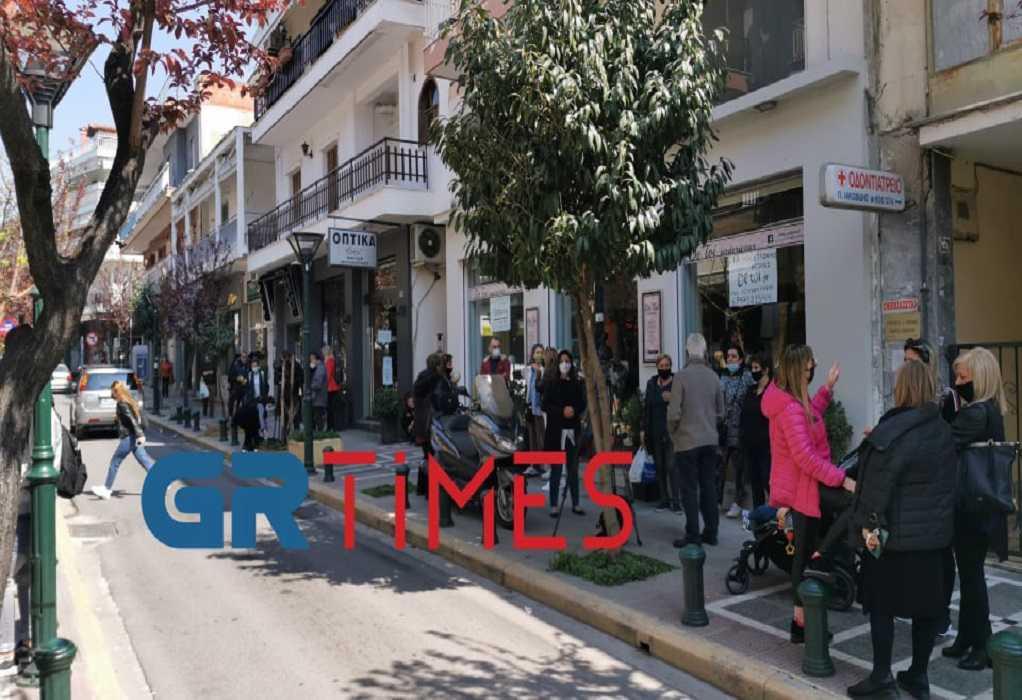 Πολίχνη: Στους δρόμους οι καταστηματάρχες για το «μπλόκο» στο λιανεμπόριο (ΦΩΤΟ-VIDEO)