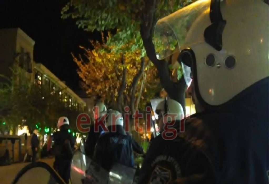Ηράκλειο: Ένταση και προσαγωγές στην πλατεία Ελευθερίας