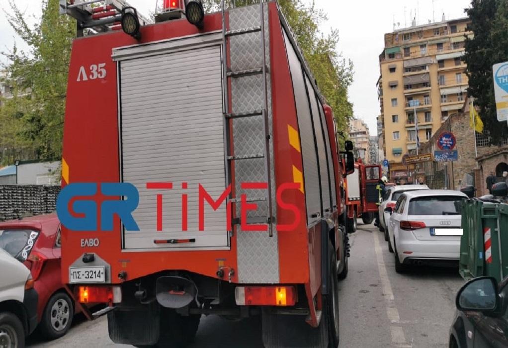 Πυρκαγιά σε διαμέρισμα στο κέντρο της Θεσσαλονίκης (ΦΩΤΟ+VIDEO)