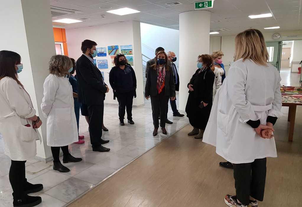 Τα Νοσοκομεία Άργους και Ναυπλίου επισκέφθηκε η Ζωή Ράπτη