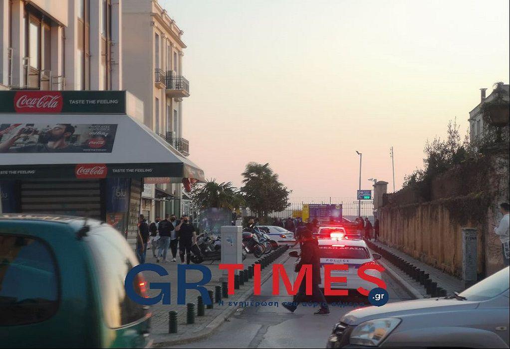 Θεσσαλονίκη: Πρόστιμο 3.000 ευρώ σε ιδιοκτήτη καφέ-μπαρ για συνωστισμό