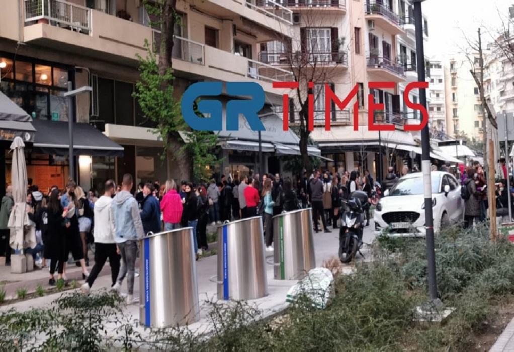 """Θεσσαλονίκη: Χαμός σε… take away – """"Βούλιαξε"""" η παραλία (ΦΩΤΟ+VIDEO)"""